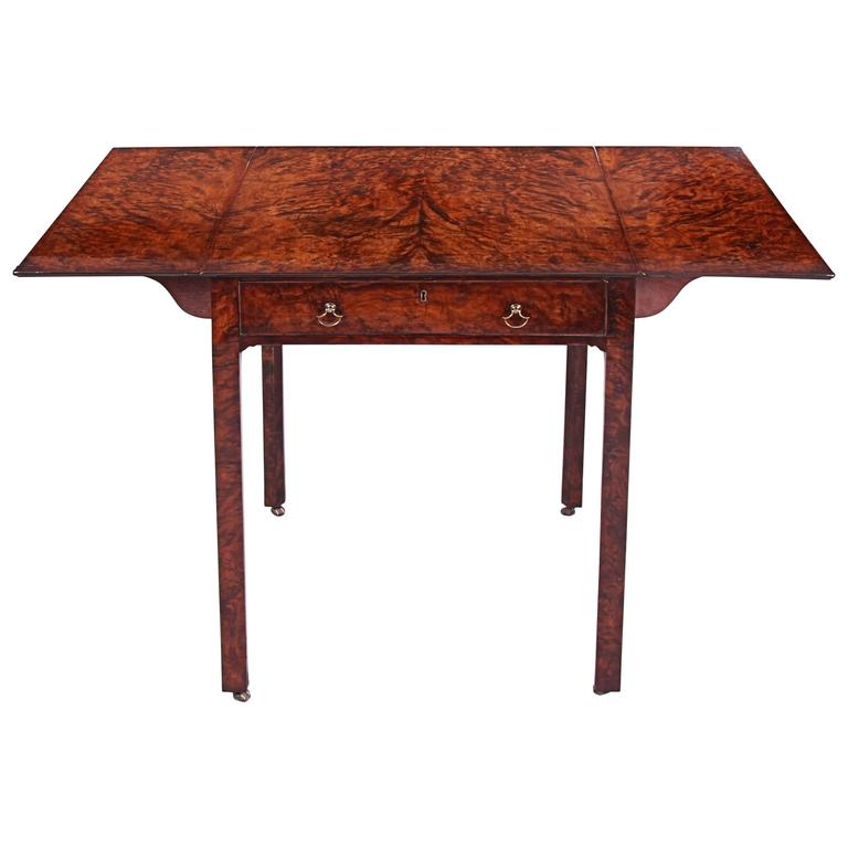 Important 18th Century Chippendale Burr Yew Pembroke Table For Sale