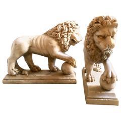 19th Century Pair of Carrara Marble Lions Sculpture