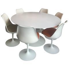 Eero Saarinen Dining Set