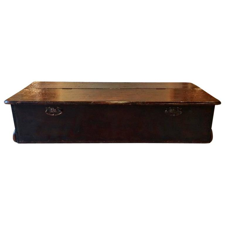 Antique Coffee Table Under Bed Blanket Box Trunk At 1stdibs