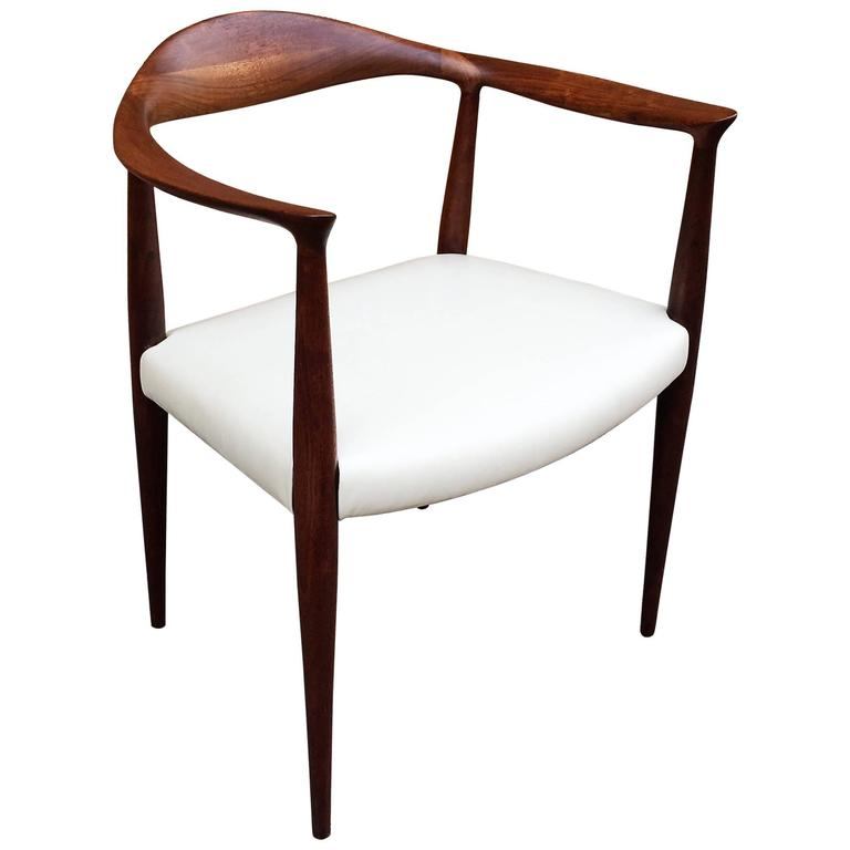 Mid-Century Modern Walnut and Leather Hans Wegner Style Armchair