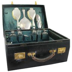 Fine Early 20th Century Walker & Hall Cased Silver Travelling Vanity Case
