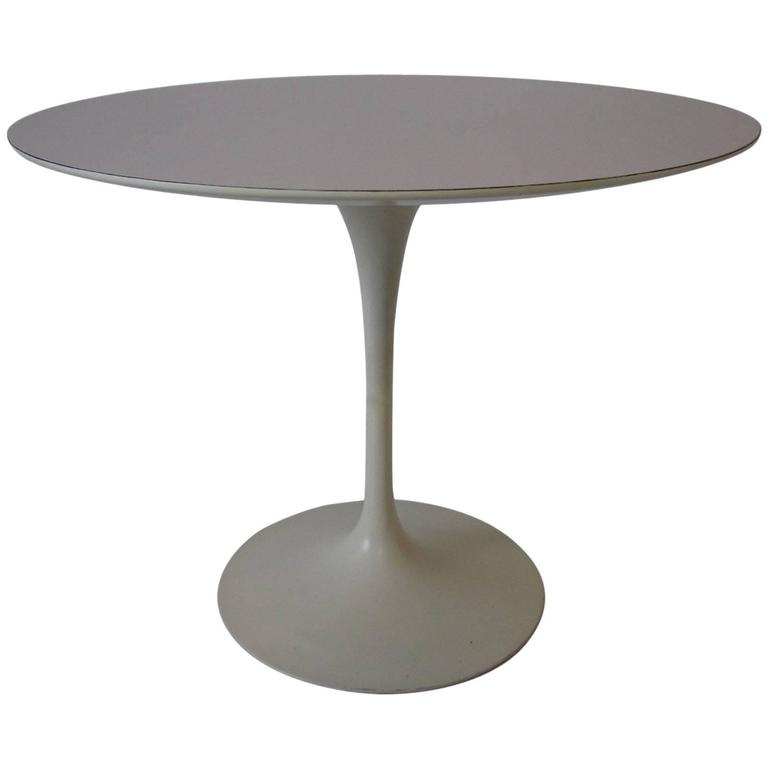 Eero Saarinen Tulip Dining Table for Knoll at 1stdibs : 5750733l from www.1stdibs.com size 768 x 768 jpeg 12kB