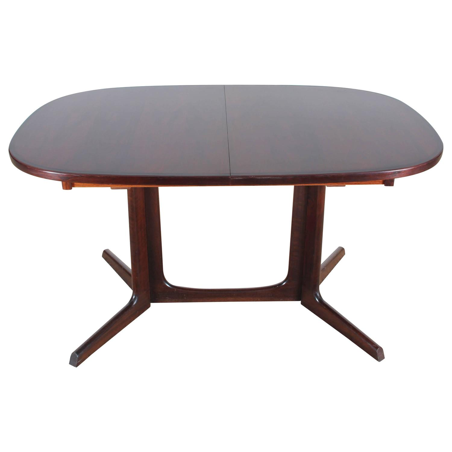 Mid century modern dining table in rosewood 6 10 seats at for 10 seater dinning table