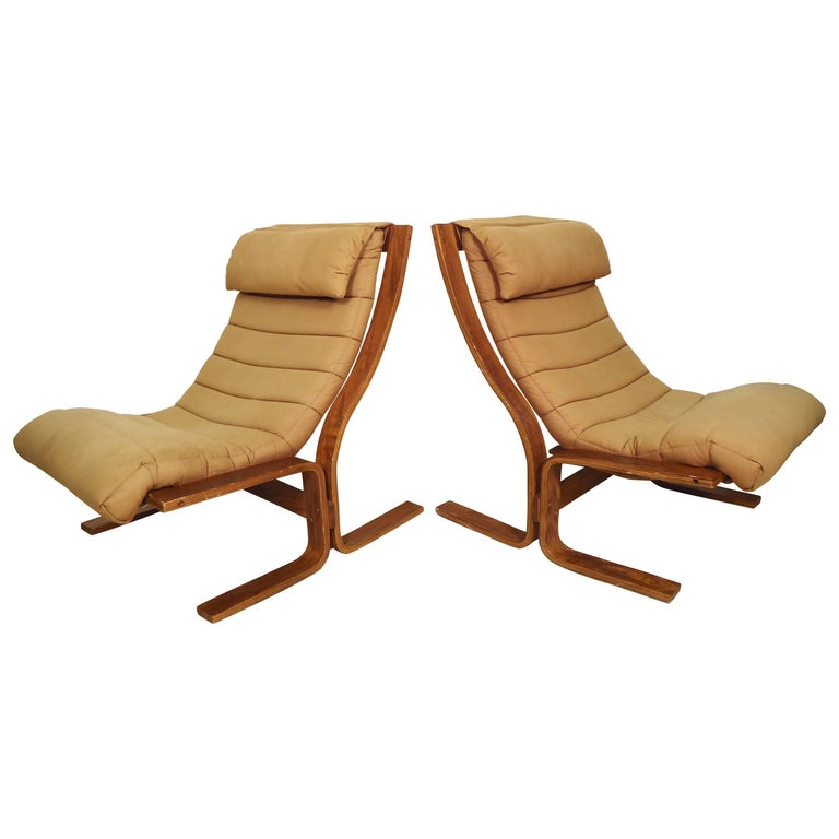 Pair of Mid-Century Modern Bentwood Chairs For Sale
