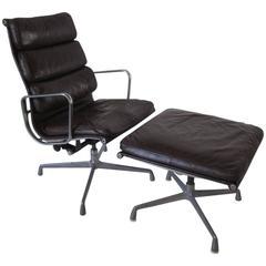 Eames Soft Pad Aluminium Group Chair with Ottoman