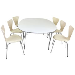 Fritz Hansen Dining Table and Chairs by Arne Jacobsen