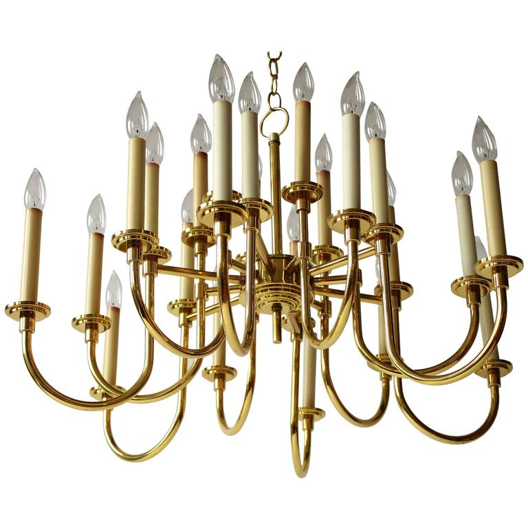 12 Arms 24 Lights Brass Chandelier in the Style of Tommi Parzinger, 1970s, USA