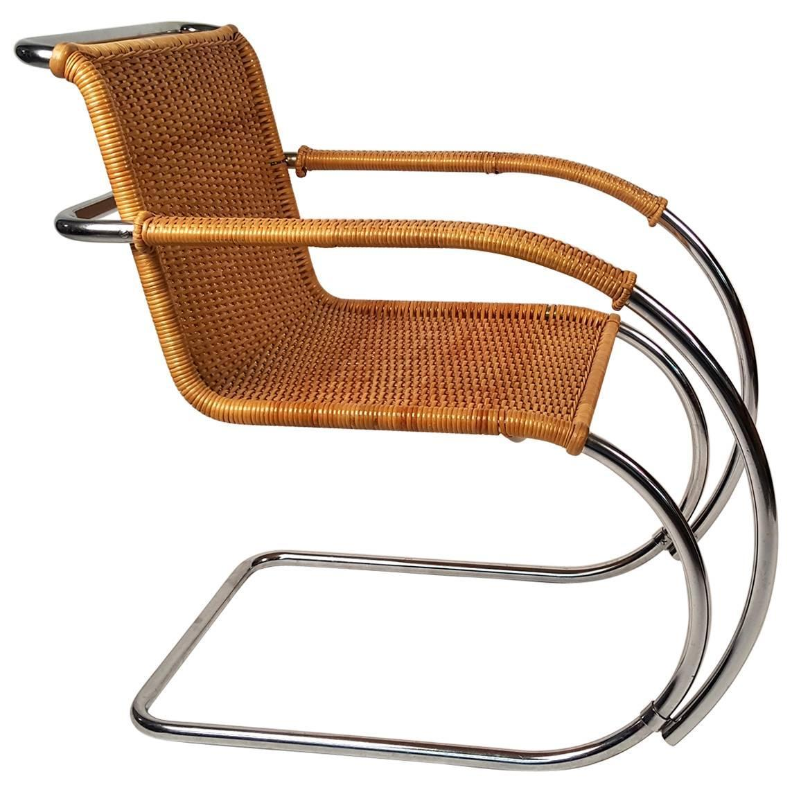 mr20 lounge chair by ludwig mies van der rohe for sale at 1stdibs. Black Bedroom Furniture Sets. Home Design Ideas