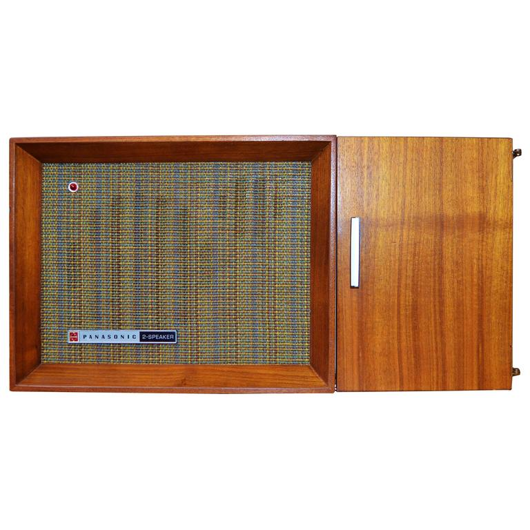 Cool Mid-Century Panasonic RE-7487 AM/FM Radio-Teak Cabinet-Tweed Speaker  Cover