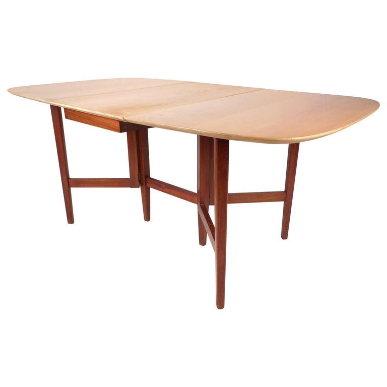 Mid-Century Modern Gate Leg Dining Table For Sale