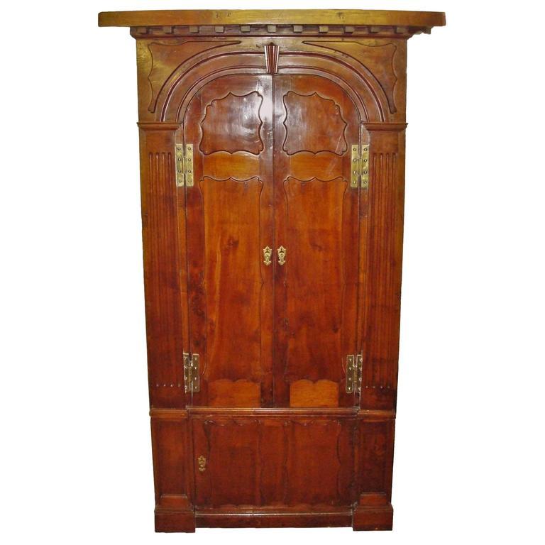 Georgian Irish Yewwood Standing Corner Cupboard