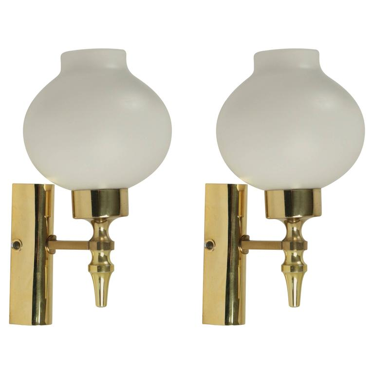 1960s Pair of Sconces Attributed to Stilnovo For Sale