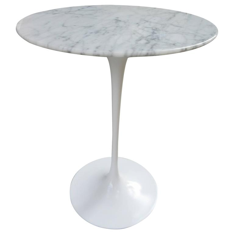Eero Saarinen For Knoll Mid Century Modern Marble Tulip Pedestal Side Table  For Sale