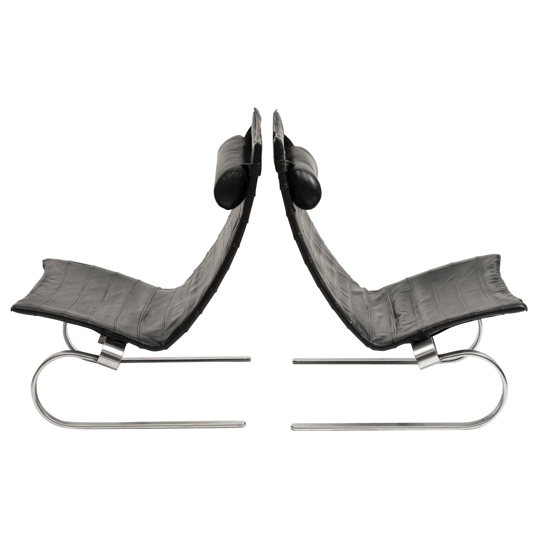 Pair of PK20 Lounge Chairs by Poul Kjærholm in Black Leather, 1980s