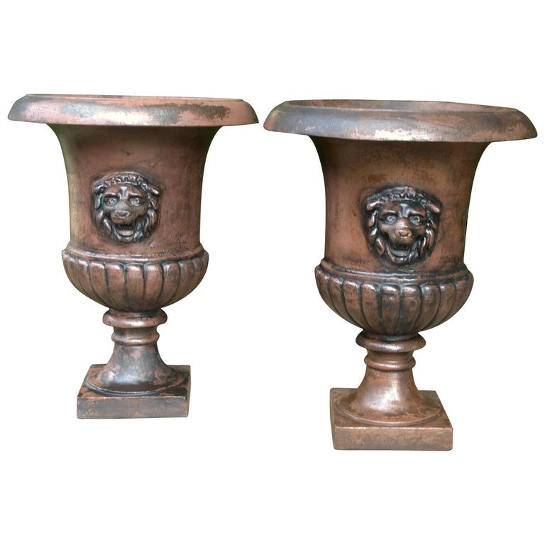 1810s St.Pauls Estate Hedge Maze Entryway Urns with Lions Heads For Sale