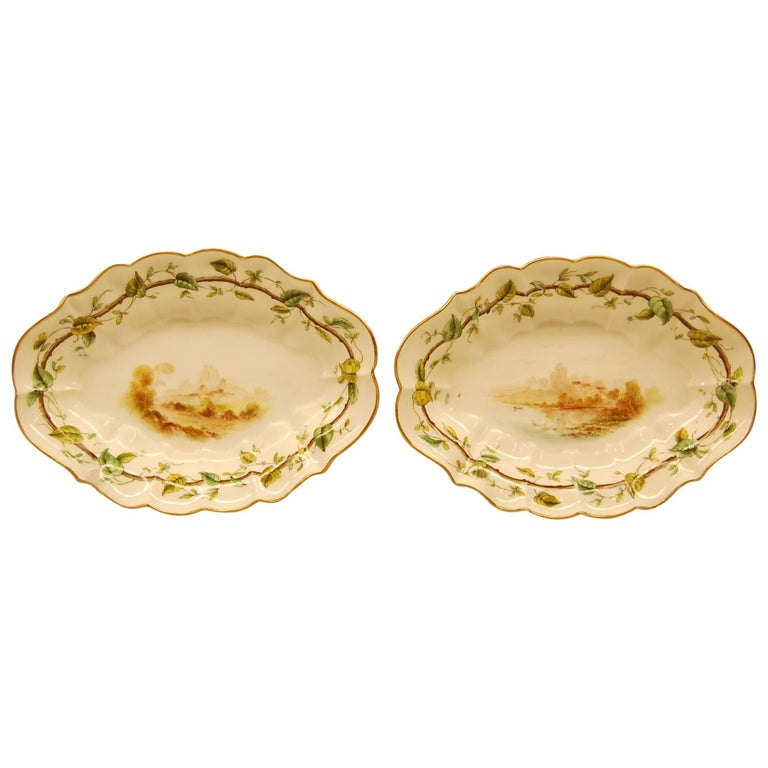 Pair of Royal Worcester Oval Dessert Bowls Dating to 1909 For Sale