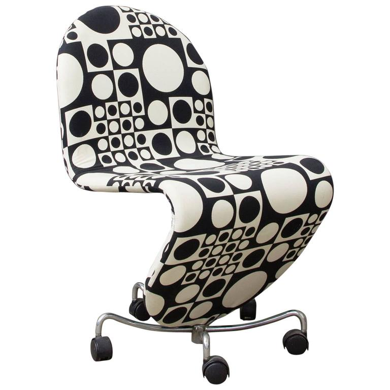1970 verner panton 1 2 3 serie office chair original panton fabric by kvadrat for sale at 1stdibs. Black Bedroom Furniture Sets. Home Design Ideas