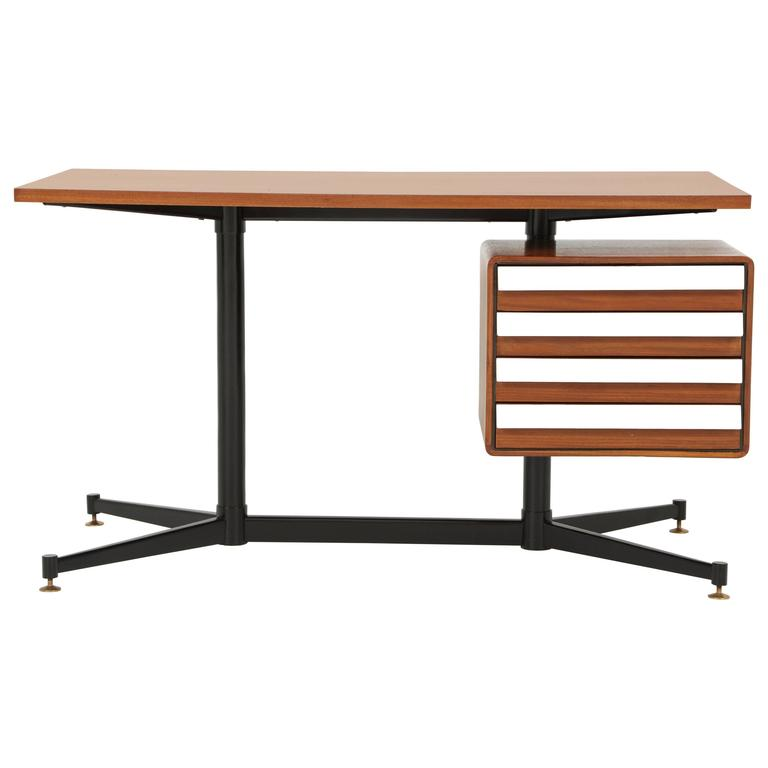 Small Desk in the Manner of Gio Ponti