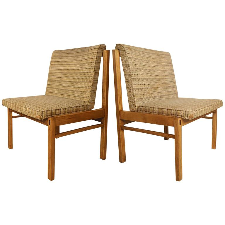 Pair Of Knoll Style Chairs By Lane Furniture