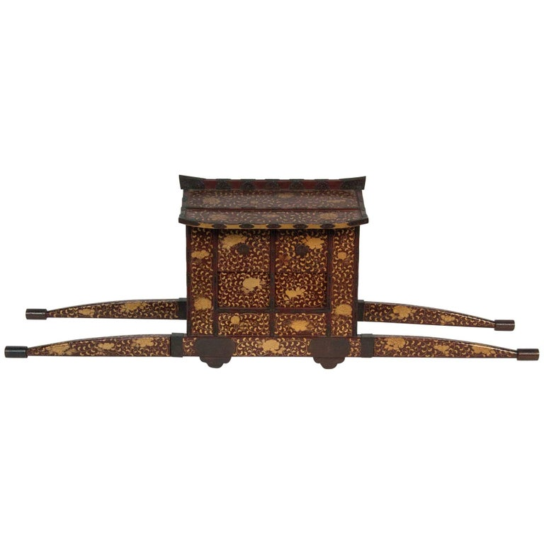 Japanese Edo-Meiji Period Lacquered Palanquin For Sale