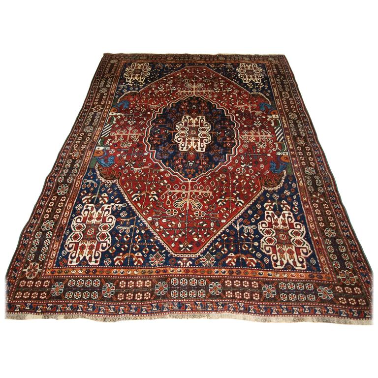 Qashqai Shiraz Rug: Good Old Qashqai Rug, With Classic Medallion Design And