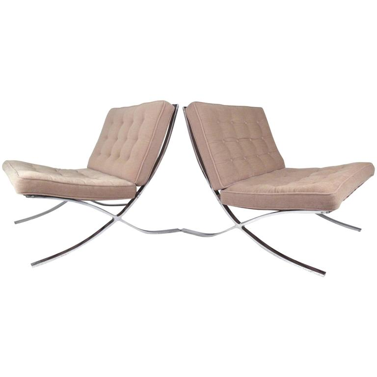 Pair of Mid-Century Modern Chairs in the Style of Ludwig Mies van der Rohe