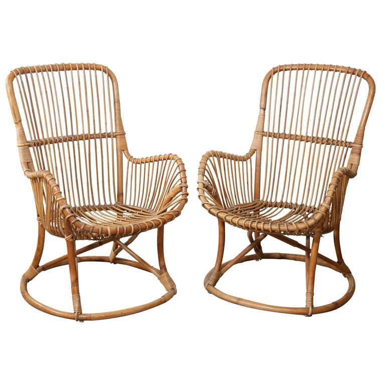Charmant Pair Of Vintage Rattan Chairs For Sale