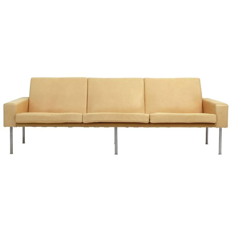 Airport Sofa by Hans J. Wegner