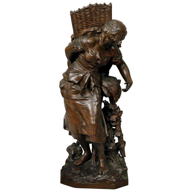Lovely Late 19th Century Bronze Sculpture by Mathurin Moreau For Sale