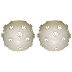 1980s Italian Pair of Modern Iridescent White and Gold Murano Glass Round Vases