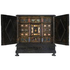 Rare Italian Baroque Pietra Dura Table Cabinet, Florence, circa 1630-1650