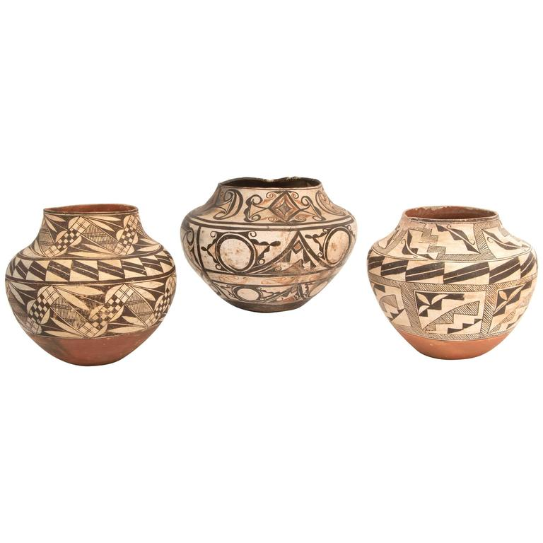 Collection of Three Antique Native American Pottery Jars, 19th and 20th Century For Sale