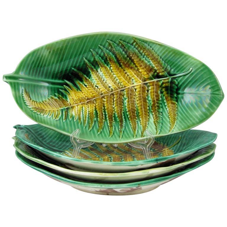 19th Century Wedgwood English Majolica Fern on Palm Leaf Shaped Trays For Sale