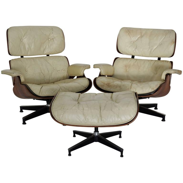 Pair of mid century herman miller eames lounge chairs with for Fauteuil bois eames