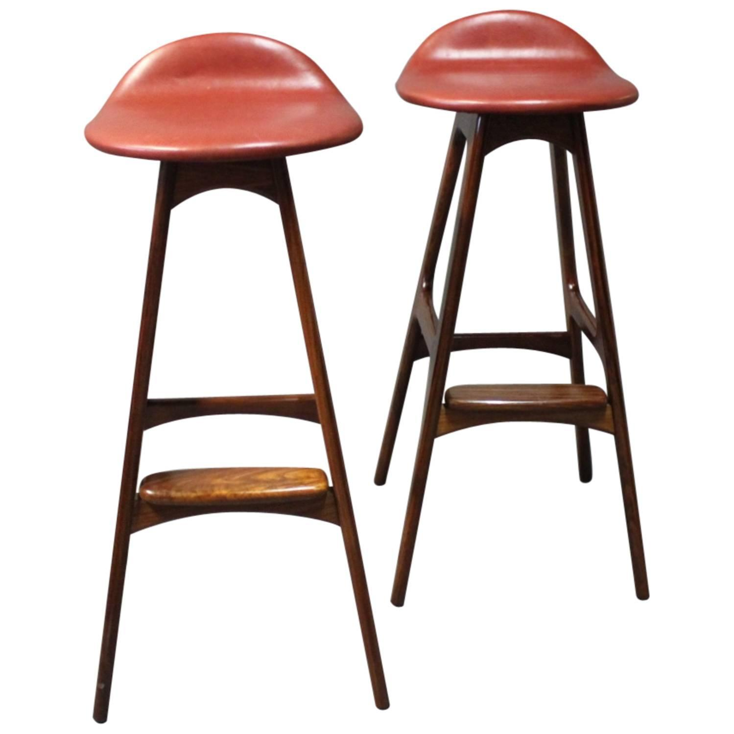 Bar stools model od61 by erik buch and odense furniture facto at 1stdibs - Erik buch bar stool ...