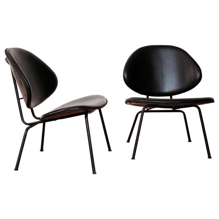 Homecrest Black Leather Clam Shell Lounge Chairs For Sale