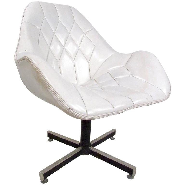 Mid Century Modern Tufted Swivel Lounge Chair For Sale At 1stdibs