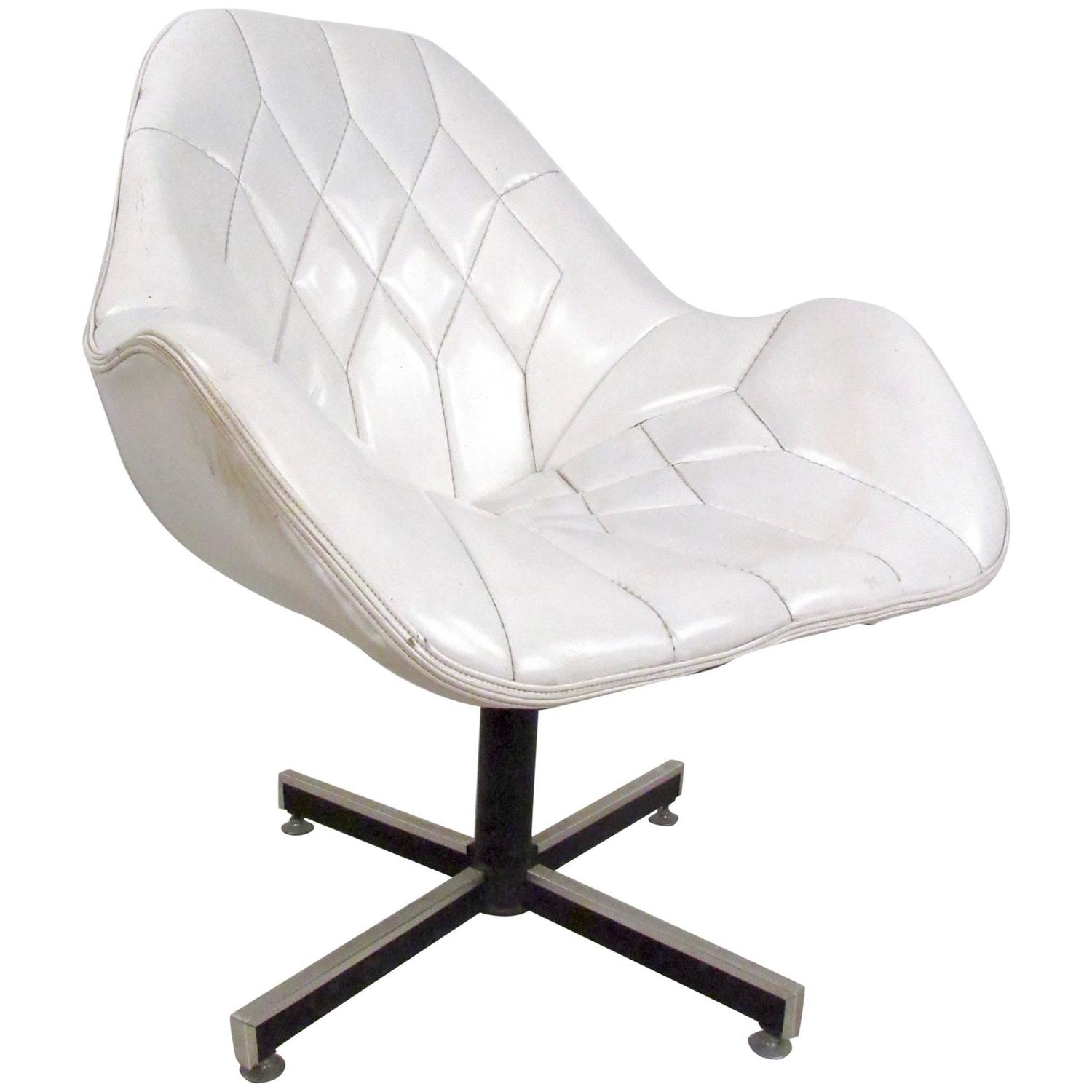 mid century modern tufted swivel lounge chair for sale at 1stdibs. Black Bedroom Furniture Sets. Home Design Ideas