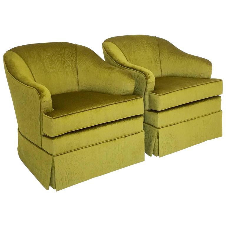 Merveilleux Mid Century Swivel Club Chairs In A Designer Moire Velvet For Sale