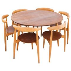 Danish Modern Set a Round Table and Six Chairs by Hans Wegner for Fritz Hansen