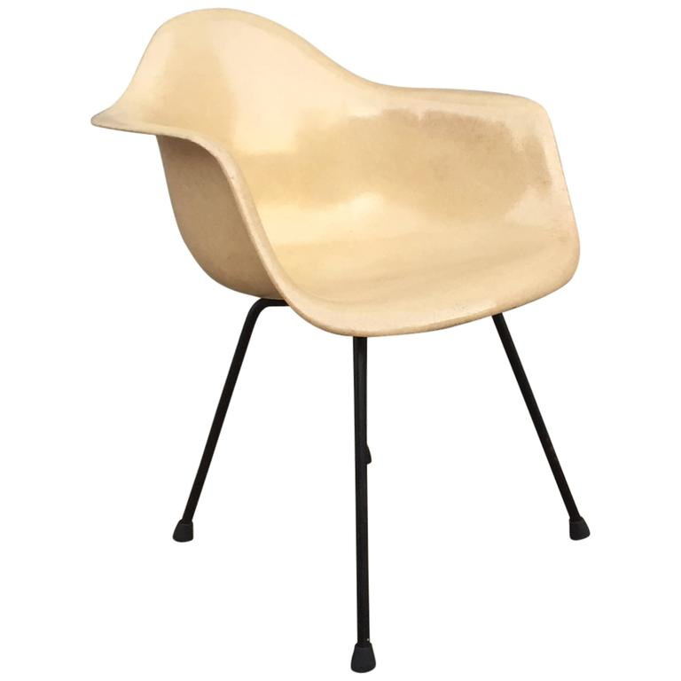 transitional eames zenith shell chair on x base at 1stdibs