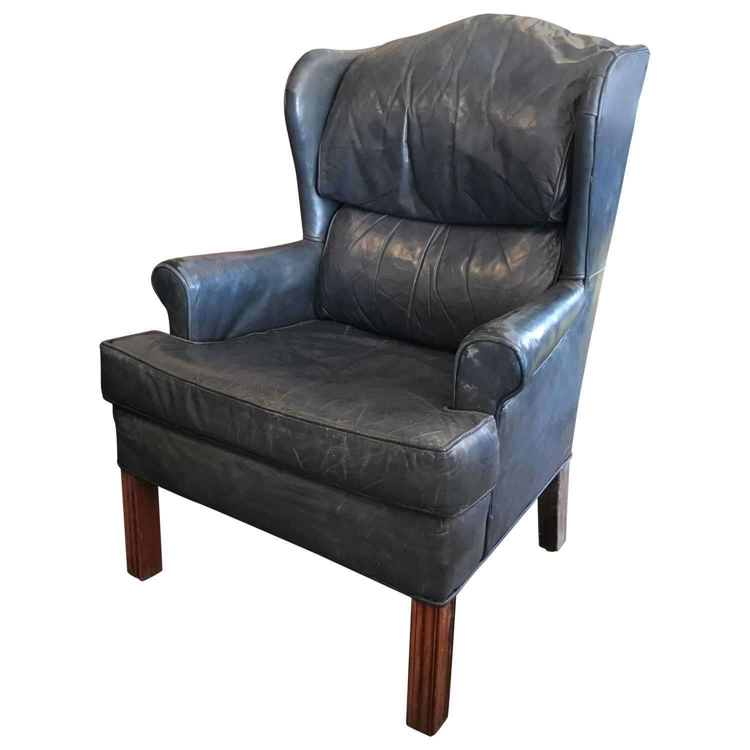 Vintage leather wingback lounge chair for sale at 1stdibs for Leather wingback recliner sale