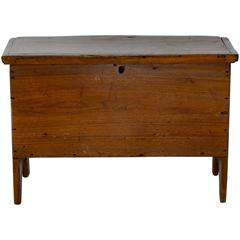 Early 19th Century Walnut Sugar Chest with Lift Top