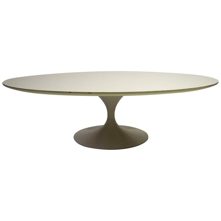 Vintage Oval Coffee Table By Eero Saarinen For Knoll Circa 1955 At 1stdibs