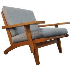 Iconic Danish Hans J Wegner GE-375 Lounge Chair