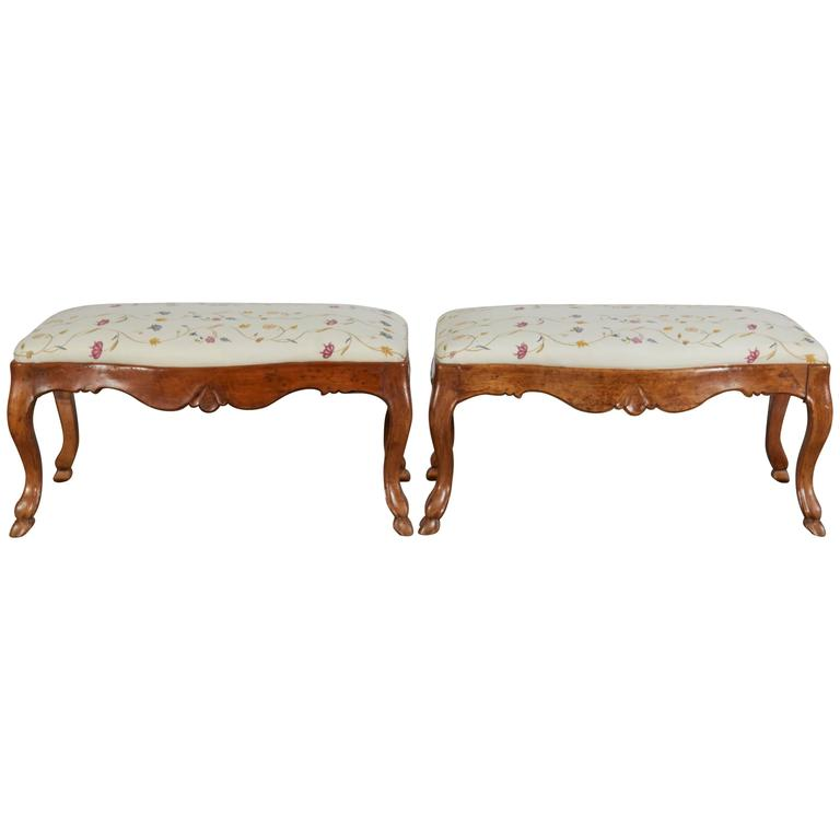 Pair of 19th Century Italian Walnut Serpentine-Front Benches 1