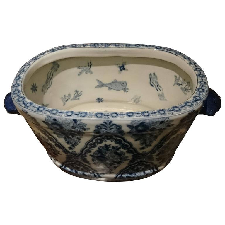 Early 19th Century Chinese Export Porcelain Punch Bowl or Wash Bowl