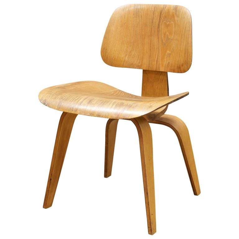 Great 1948 Charles Eames Evans Bent Plywood Herman Miller Dining Chair For Sale