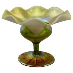 Tiffany Studios Feather-Pulled Gold Favrile Glass Floriform Vase